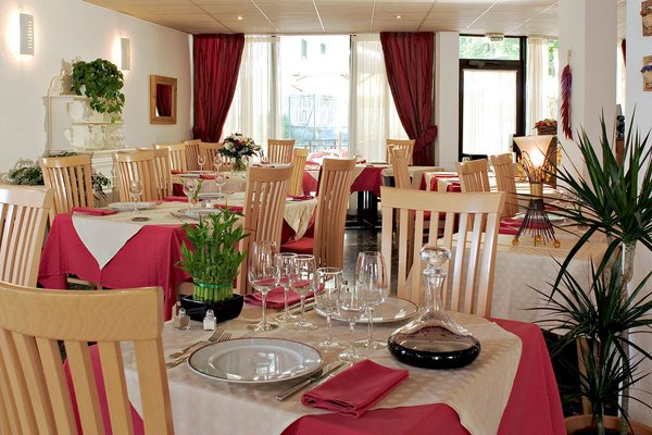 hotel-amelie-restaurant-brides-les-bains-les-trois-vallees-frankrijk-wintersport-ski-snowboard-raquettes-schneeschuhlaufen-langlaufen-wandelen-interlodge.jpg
