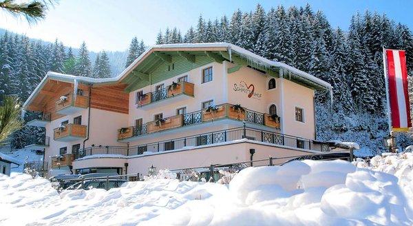 buitenkant-hotel-schmittenhof-zell-am-see-europa-sportregion-wintersport-oostenrijk-interlodge.jpg