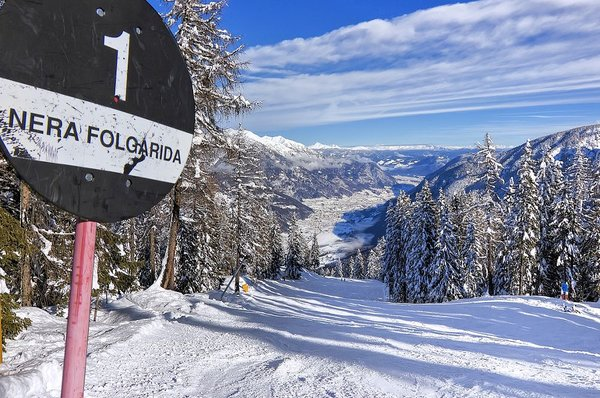 zwarte-piste-skirama-dolomiti-wintersport-italie-interlodge