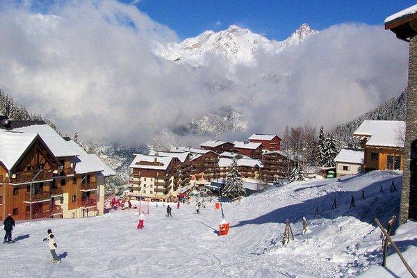 afdaling-piste-valfrejus-frankrijk-wintersport-ski-snowboard-raquettes-schneeschuhlaufen-langlaufen-wandelen-interlodge.jpg