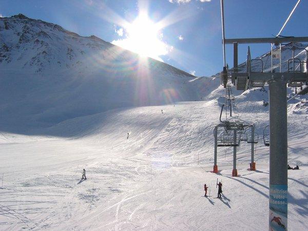 boven-op-de-piste-valfrejus-frankrijk-wintersport-ski-snowboard-raquettes-schneeschuhlaufen-langlaufen-wandelen-skigebied-interlodge.jpg