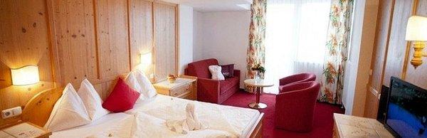 hotel-latini-enzian-schuttdorf-zell-am-see-europa-sportregion-wintersport-oostenrijk-interlodge.jpg
