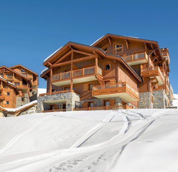 buitenkant-residence-les-granges-du-soleil-plagne-soleil-wintersport-frankrijk-ski-snowboard-raquettes-schneeschuhlaufen-langlaufen-wandelen-interlodge.jpg