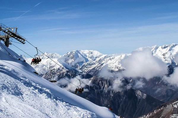 green-lake-oz-en-oisans-grandes-rousses-wintersport-frankrijk-interlodge