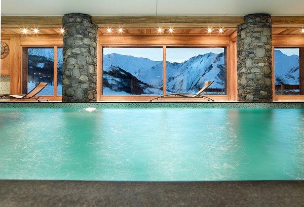 les-chalets-du-gypse-zwembad-saint-martin-des-belleville-les-trois-vallees-wintersport-frankrijk-ski-snowboard-raquettes-schneeschuhlaufen-langlaufen-wandelen-interlodge.jpg