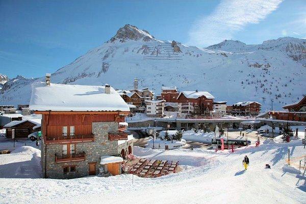 buitenzijde-reisdence-montana-planton-tignes-le-lac-espace-killy-frankrijk-wintersport-ski-snowboard-raquettes-schneeschuhlaufen-langlaufen-wandelen-interlodge.jpg