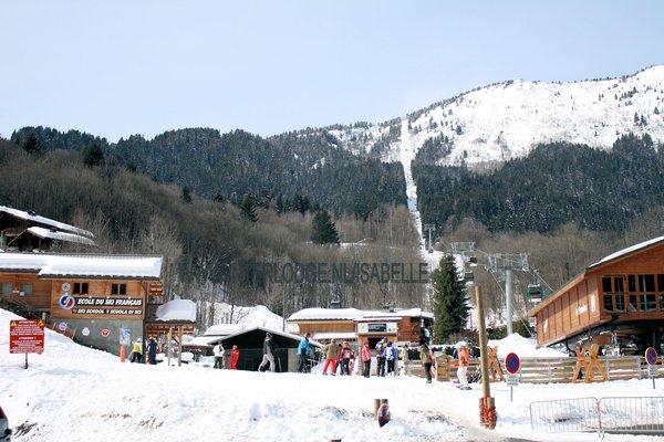 les-houches-bij-de-cabine-pays-du-mont-blanc-wintersport-frankrijk-ski-snowboard-raquettes-langlaufen-wandelen-interlodge.jpg