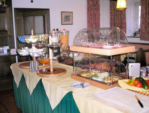 ontbijtbuffet-hotel-tauernhaus-wisenegg-obertauern-wintersport-oostenrijk-interlodge.jpg
