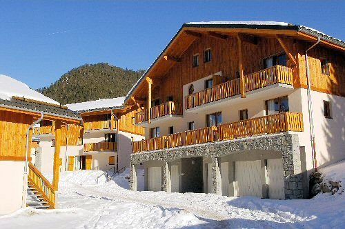 voorkant-les-chalets-de-la-ramoure-valfrejus-frankrijk-wintersport-ski-snowboard-raquettes-schneeschuhlaufen-langlaufen-wandelen-interlodge.jpg