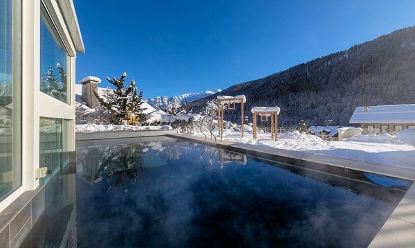 palace-hotel-ravelli-zwembad-mezzana-skirama-dolomiti-wintersport-italie-interlodge.jpg