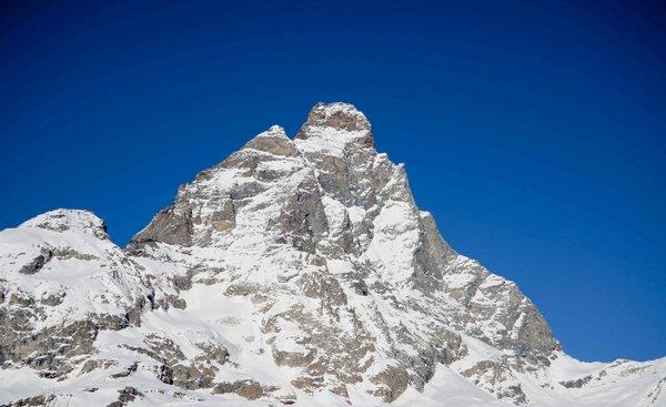 matterhorn-ski-paradise-mont-cervino-italie-wintersport-ski-snowboard-raquette-schneeschuhlaufen-langlaufen-wandelen-interlodge.jpg