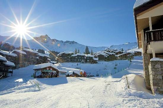 valmorel-le-grand-domaine-wintersport-frankrijk-ski-snowboard-raquettes-schneeschuhlaufen-langlaufen-wandelen-interlodge.jpg