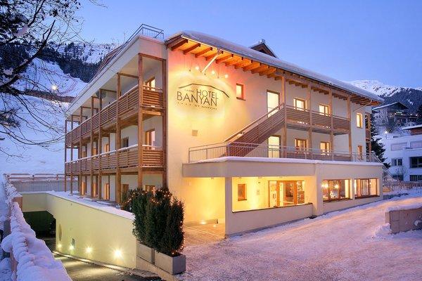 buitenzijde-banyan-hotel-st-anton-am-arlberg-oostenrijk-interlodge.jpg