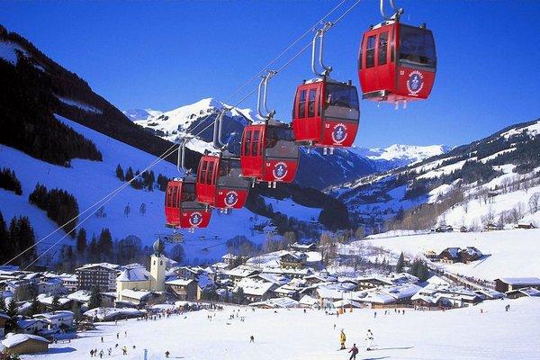 cabine-saalbach-oostenrijk-wintersport-ski-snowboard-raquette-schneeschuhlaufen-langlaufen-wandelen-interlodge.jpg