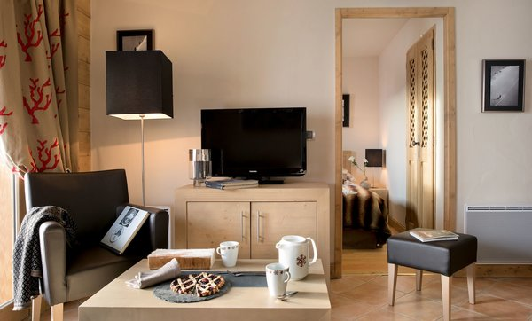 residence-le-cristal-de-l-alpe-woonkamer-alpe-d-huez-grandes-rousses-interlodge.jpg