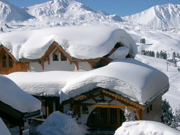buitenkant-le-chalet-du-vallon-belle-plagne-paradiski-wintersport-frankrijk-ski-snowboard-raquettes-langlaufen-wandelen-interlodge.jpg