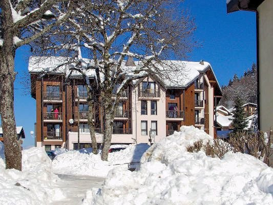 buitenkant-residence-sunotel-les-carroz-wintersport-frankrijk-ski-snowboard-raquettes-schneeschuhlaufen-langlaufen-wandelen-interlodge.jpg