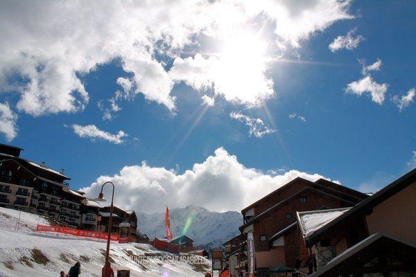 dorp-vallandry-paradiski-wintersport-frankrijk-ski-snowboard-raquettes-schneeschuhlaufen-langlaufen-wandelen-interlodge.jpg