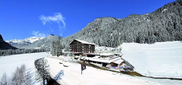 il-caminetto-canazei-wintersport-italie-ski-dolomiti-interlodge.jpg