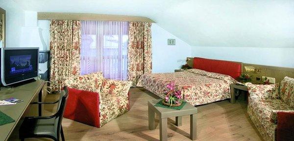 slaapkamer-parkhotel-rubino-campitello-dolomiti-wintersport-italie-interlodge.jpg