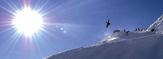 boarders-‰salzburger-sportwelt-amade-wintersport-oostenrijk-ski-snowboard-raquettes-schneeschuhlaufen-langlaufen-wandelen-interlodge.jpg