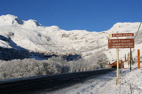 saint-sorlin-d-arves-les-sybelles-wintersport-frankrijk-ski-snowboard-raquettes-schneeschuhlaufen-langlaufen-wandelen-interlodge.jpg
