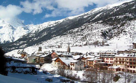panorama-val-cenis-wintersport-frankrijk-ski-snowboard-raquettes-langlaufen-wandelen-interlodge.jpg