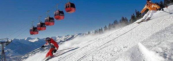 cabine-en-skiers-saalbach-hinterglemm-oostenrijk-wintersport-ski-snowboard-raquette-schneeschuhlaufen-langlaufen-wandelen-interlodge.jpg