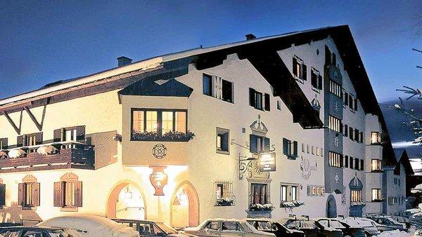 buitenkant-hotel-haus-stefanie-seefeld-olympia-region-wintersport-oostenrijk-interlodge.jpg