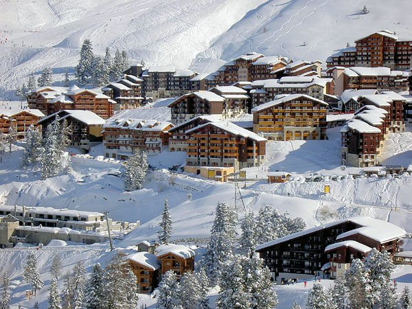 dorp-belle-plagne-paradiski-wintersport-frankrijk-ski-snowboard-raquettes-langlaufen-wandelen-interlodge.jpg