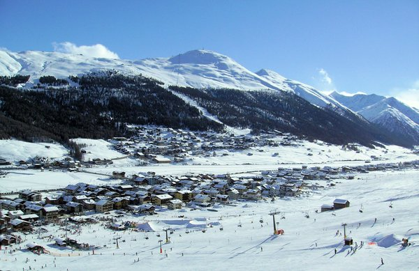 dorp-livigno-cabine-wintersport-italie-interlodge.jpg