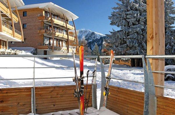 buitenkant-residence-le-domaine-de-l-arselles-chamrousse-wintersport-frankrijk-ski-snowboard-raquettes-schneeschuhlaufen-langlaufen-wandelen-interlodge.jpg