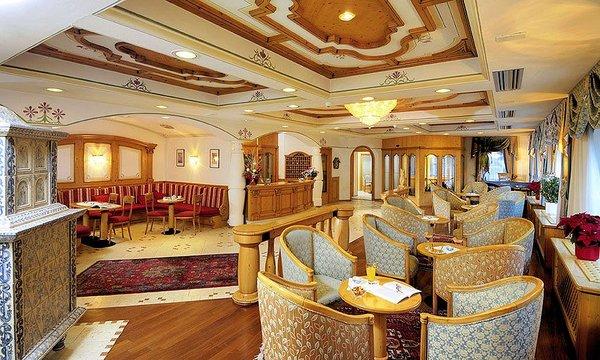 palace-hotel-ravelli-mezzana-skirama-dolomiti-wintersport-italie-interlodge.jpg