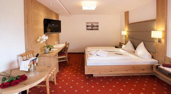 slaapkamer-hotel-elisabeth-fugen-wintersport-interlodge.jpg