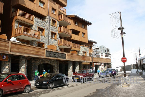 entree-residence-le-nevada-tignes-val-claret-espace-killy-interlodge.jpg