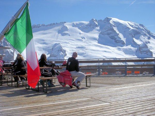 panorama-marmolada-dolomiti-superski-wintersport-italie-ski-snowboard-raquettes-schneeschuhlaufen-langlaufen-wandelen-interlodge.jpg