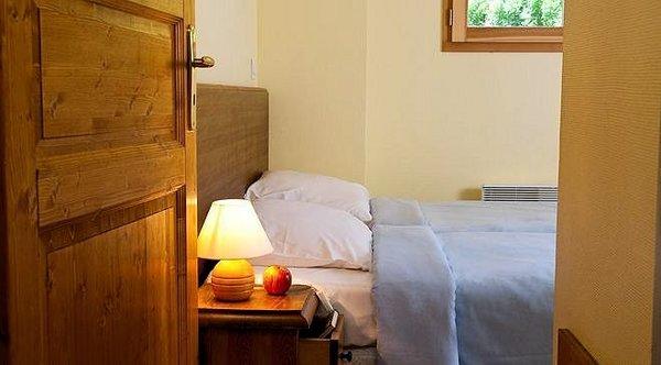 slaapkamer-residence-la-fontaine-du-roi-st-jean-d-arves-wintersport-frankrijk-ski-snowboard-langlauf-wandelen-interlodge.jpg