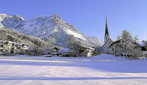 dorp-scheffau-skiwelt-wilder-kaiser-wintersport-oostenrijk-interlodge.jpg