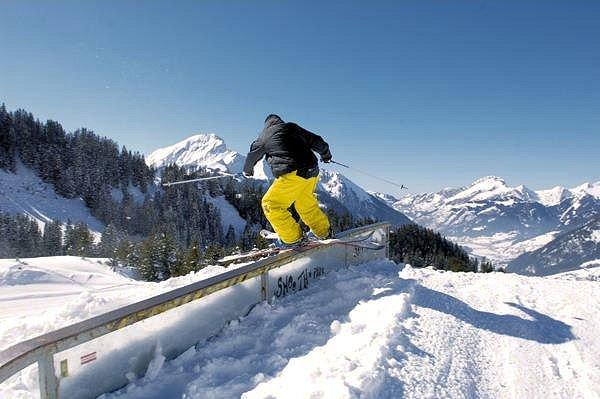 skier-freestyle-chatel-les-portes-du-soleil-wintersport-frankrijk-interlodge.jpg