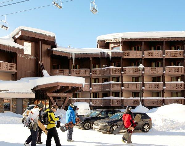 buitenkant-hotel-le-val-thorens-wintersport-frankrijk-ski-snowboard-raquettes-schneeschuhlaufen-langlaufen-interlodge.jpg