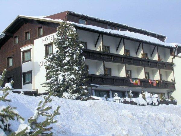 buitenkant-hotel-alpenhof-st.jpg