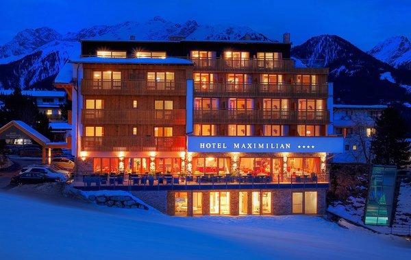 hotel-maximilian-avond-serfaus-fiss-ladis-wintersport-oostenrijk-interlodge