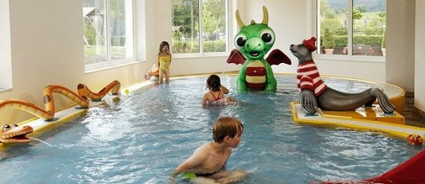 kinderzwembad-family-spa-resort-alpenpark-seefeld-olympia-region-wintersport-oostenrijk-interlodge.jpg