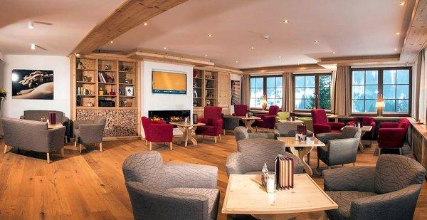 lounge-hotel-karl-schranz-st-anton-wintersport-interlodge.jpg