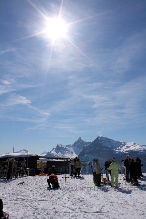 grand-massif-raquettes-les-carroz-frankrijk-wintersport-ski-snowboard-raquette-schneeschuhlaufen-langlaufen-wandelen-interlodge.jpg