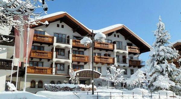 buitenkant-hotel-feldwebel-soll-skiwelt-wilder-kaiser-wintersport-interlodge.jpg