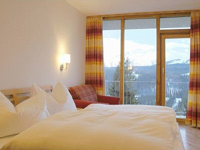 appartments-panorama-zillertal-konigsleiten-slaapkamer-zillertal-arena-wintersport-oostenrijk-ski-snowboard-raquettes-schneeschuhlaufen-langlaufen-wandelen-interlodge.jpg