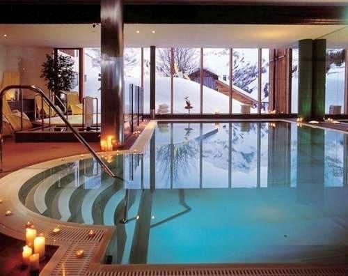 zwembad-hotel-widderstein-schra-paracken-arlberg-wintersport-interlodge.jpg