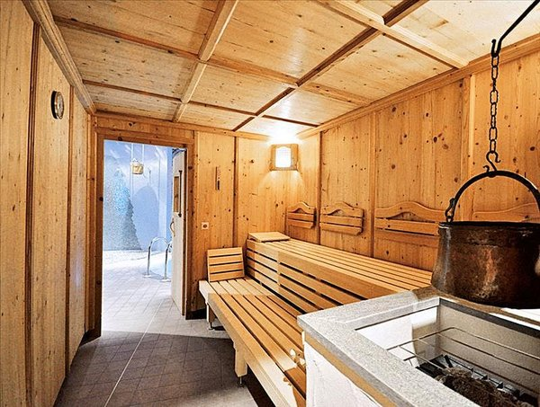 sauna-hotel-kohlerhof-fa-frac14gen-wintersport-interlodge.jpg