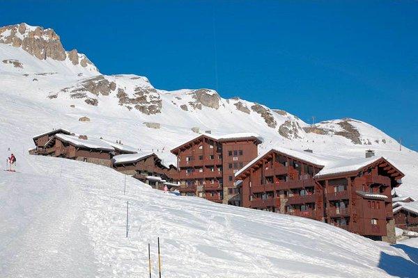 pistezijde-residence-village-montana-granier-tignes-le-lac-espace-killy-frankrijk-wintersport-ski-snowboard-raquettes-schneeschuhlaufen-langlaufen-wandelen-interlodge.jpg
